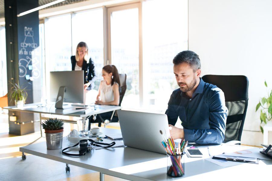 Man-Focused-Working-Laptop_167781326